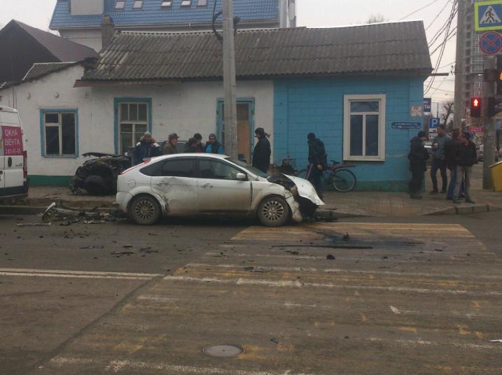Стали известны детали ДТП с5 автомобилями вКраснодаре
