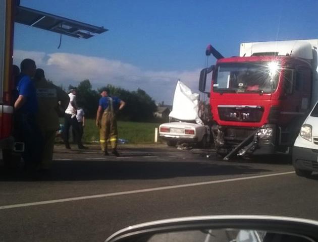 Женщина иребенок погибли вДТП натрассе Краснодар-Кропоткин