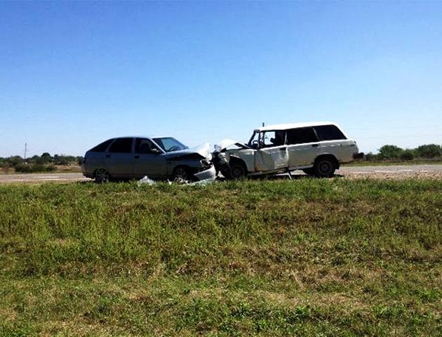 Влобовом ДТП вНовокубанском районе Кубани пострадали три человека