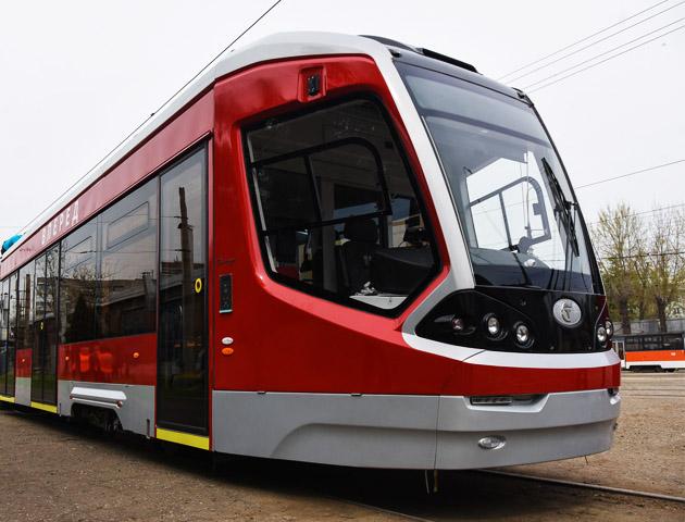 ВКраснодаре разбили окно втрехсекционном трамвае «Витязь»