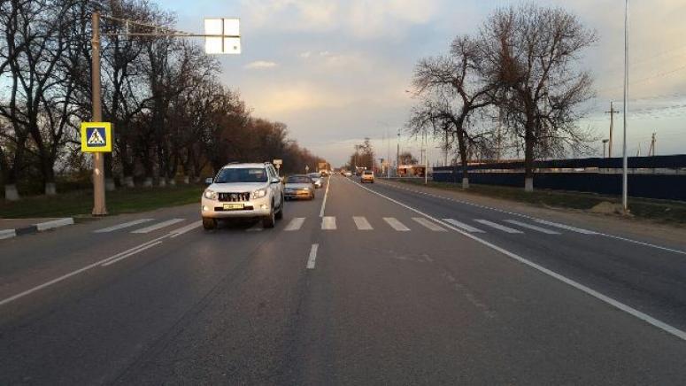 ВКраснодаре «Газель» насмерть сбила 19-летнюю девушку на«зебре»
