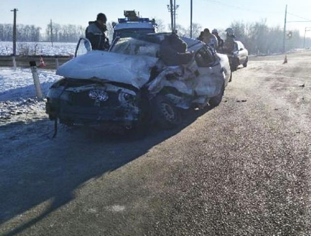 ВТихорецком районе при столкновении сКамАЗом умер шофёр легковушки