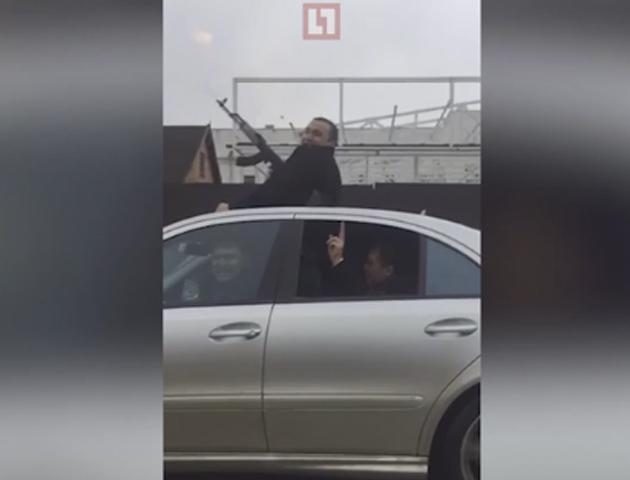 Участники свадебного картежа устроили стрельбу в одной из станиц Кубани